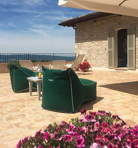 Assisi holiday home for rent with large panoramic terrace. Assisi al Quatto near the Basilica of Saint Francis