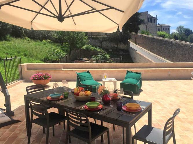 Assisi al Quattro casa vacanze con bellissima terrazza per relax yoga pilates. Assisi, Perugia, Umbria