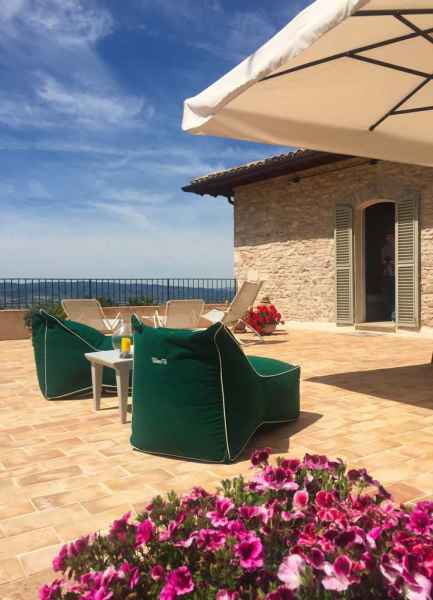 Holiday house Assisi with panoramic terrace. Assisi al Quattro, Perugia, Umbria, Italy