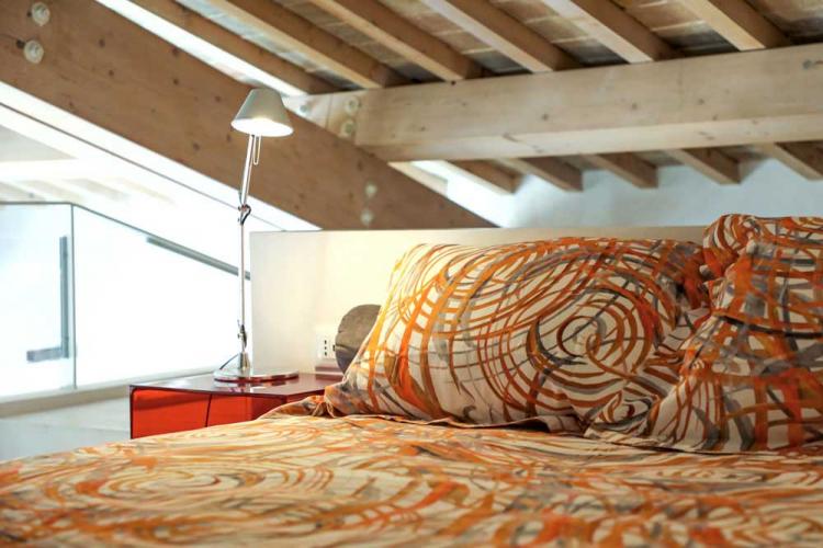 Der Schlafbalkon. Ferienhaus zu vermieten im historischen Zentrum von Assisi, Perugia, Umbrien, Italien